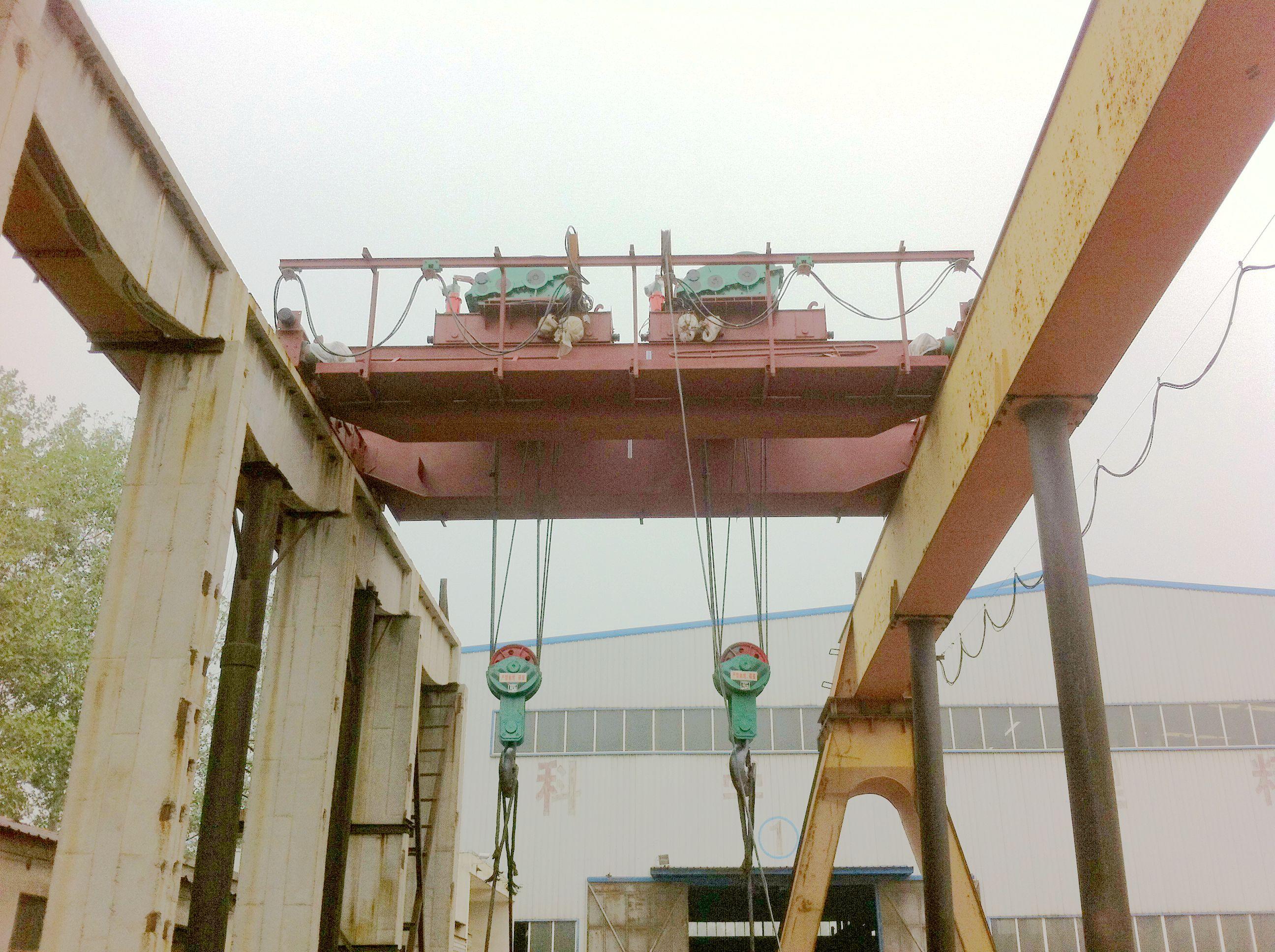 QBE型矿用防爆双小车桥式起重机