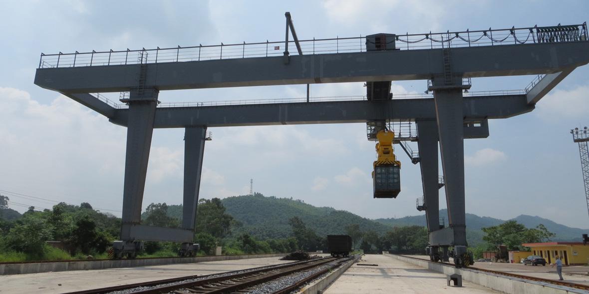广铁集团韶关货场集装箱门吊(50T)